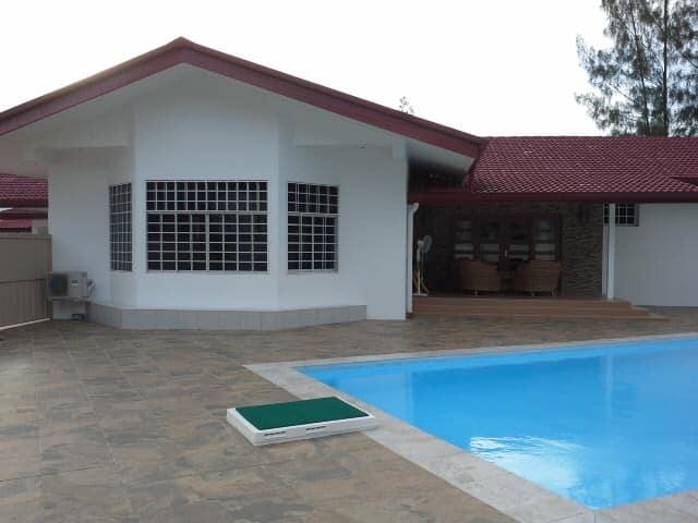 Kiarong bungalow with swimming pool for rent