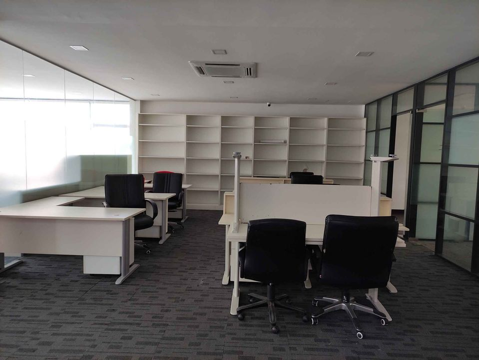 Kilanas Drive Thru Office Space For RENT