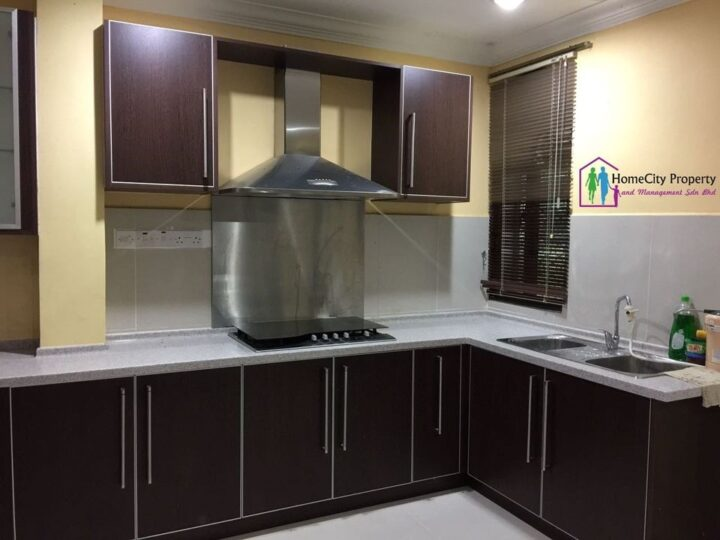 2 STOREY DETACHED HOUSE FOR RENT