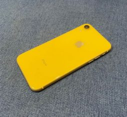 iPhone XR For SaLe