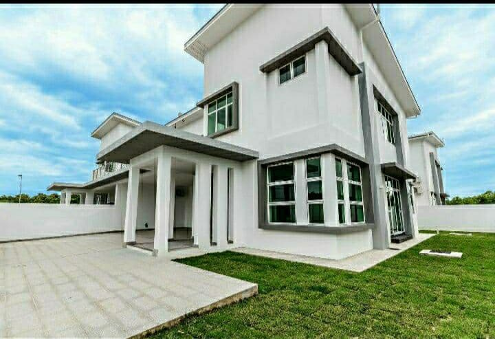 Executive Semi Detached Home for Rent in Rimba