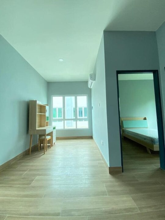 SEMI DETACHED HOUSE FOR RENT AT TUNGKU.