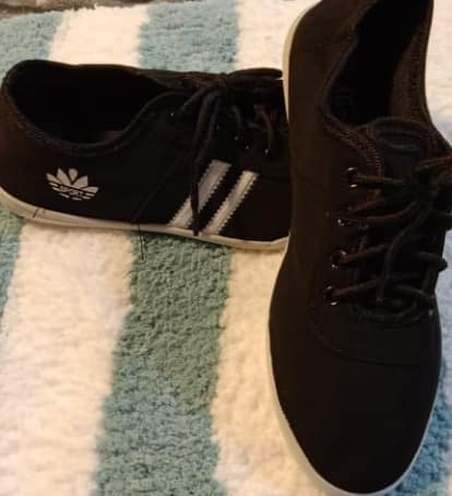 BRAND NEW Sports Shoes