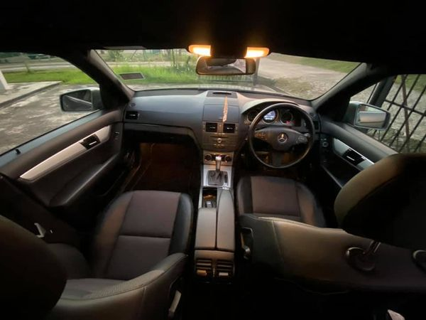 SELLING LOCAL MERCEDES AMG C200