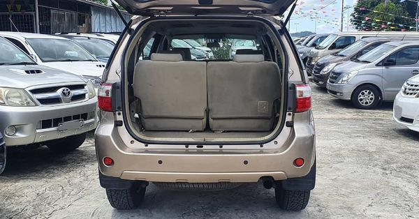 Toyota Fortuner 2.5 2wd