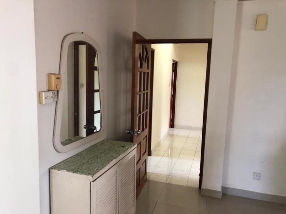 FLAT FOR RENT NEXT TO ST.ANDREW'S SCHOOL.