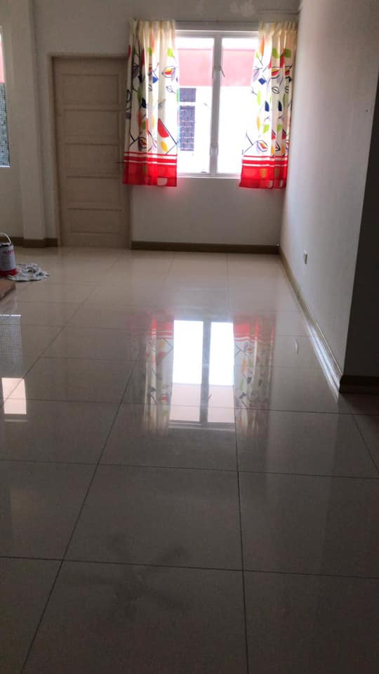FIRST FLOOR UNIT FOR RENT