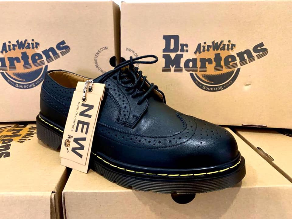 Shoes 👞 Instock
