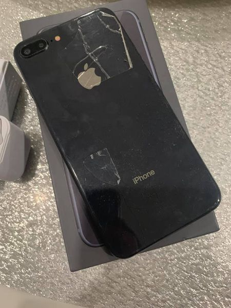 Iphone 7+ With Airpods