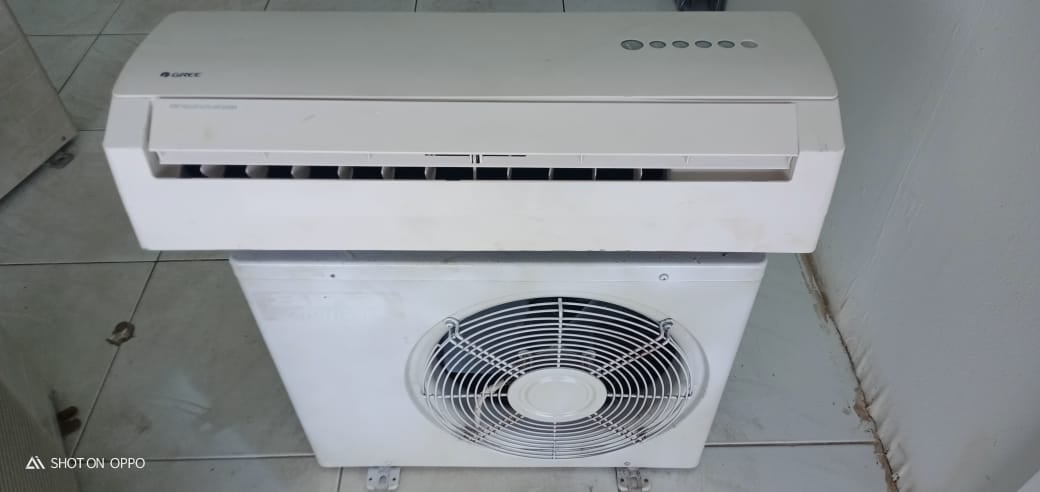 Gree 1 hp air con (used)
